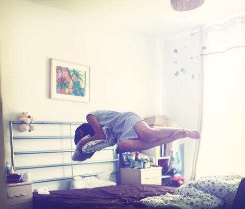 Photoshop制作人物在床上漂浮起来的效果