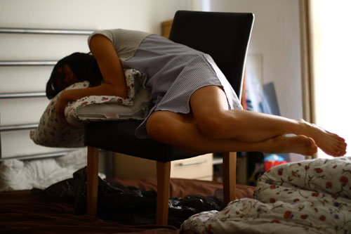 人物在床上漂浮起来的效果